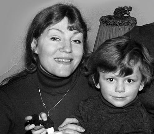 Рис.4 Анна с сыном Збигневым, названного в честь отца.
