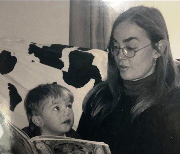 Рисунок 2. Лил Пип с Матерью