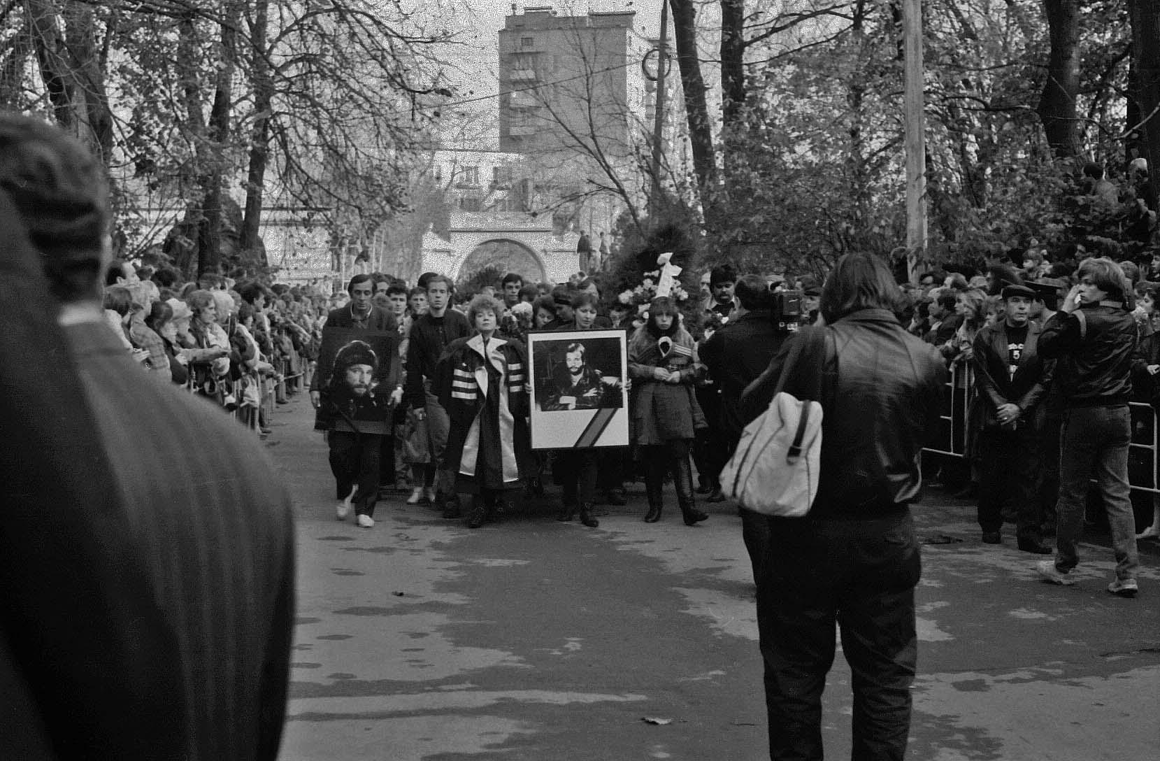 Рисунок 3. Похороны музыканта в Москве