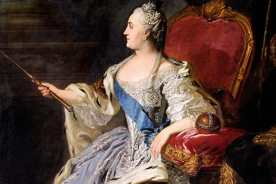 Рисунок 3. Императрица на троне.