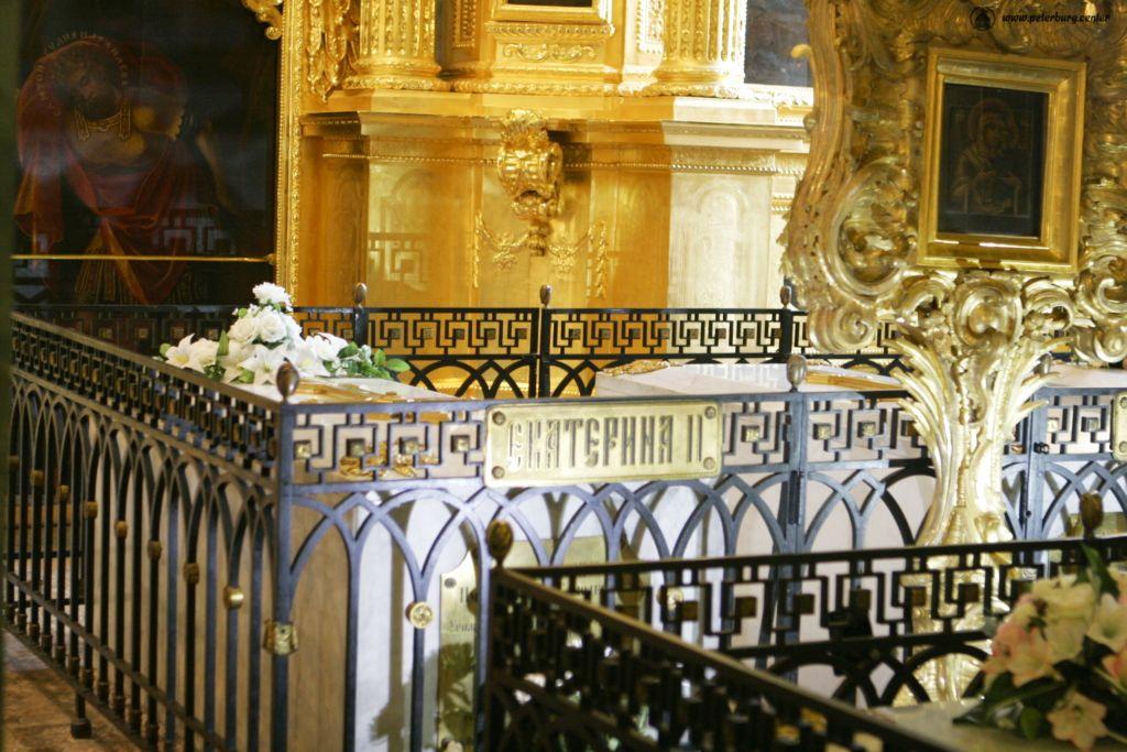 Рисунок 2. Надгробие Екатерины II в Петропавловской