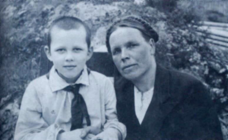 Рисунок 3. С мамой