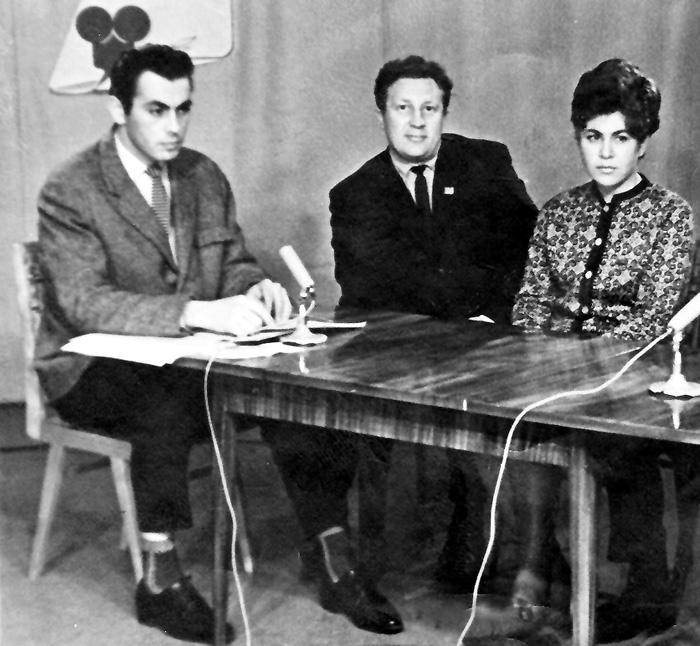 Рисунок 2. Работа на Ярославском телевидении (крайний слева)