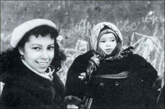 Рисунок 3. Ирина Ротова и дочь Надя