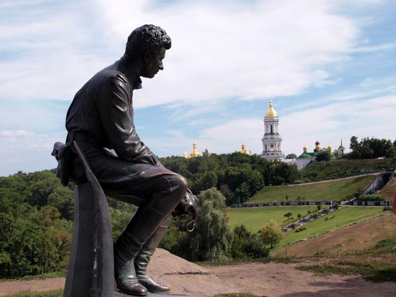 Рисунок 4. Памятник в Киеве