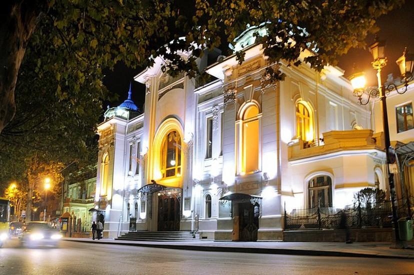 Рисунок 2. Работе в Тбилисском Академтеатре Н. Мгалоблишвили посвятил 30 лет своей жизни