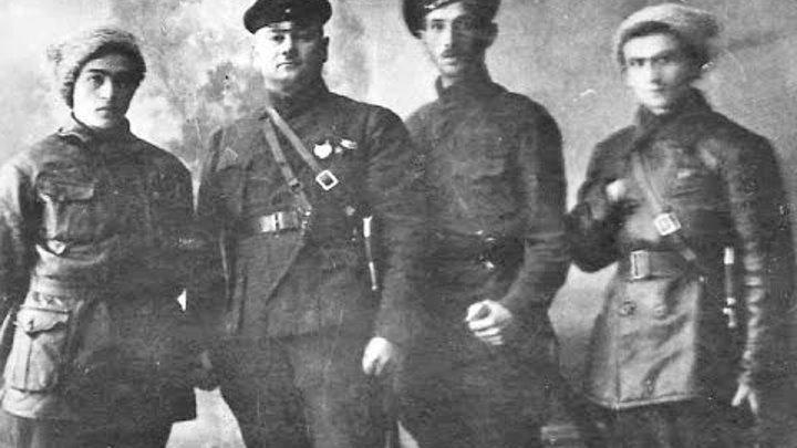 Рис.1 Котовский с членами ЦК ЛКСМУ