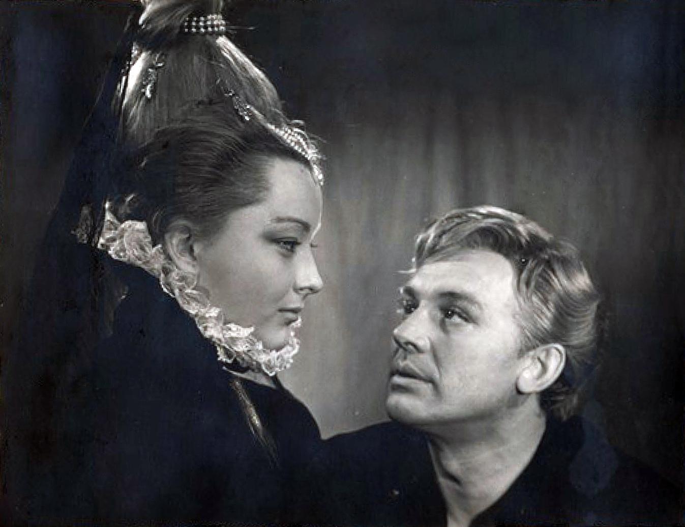 Рисунок 5. Гамлет и Офелия (Смоктуновский и Вертинская).