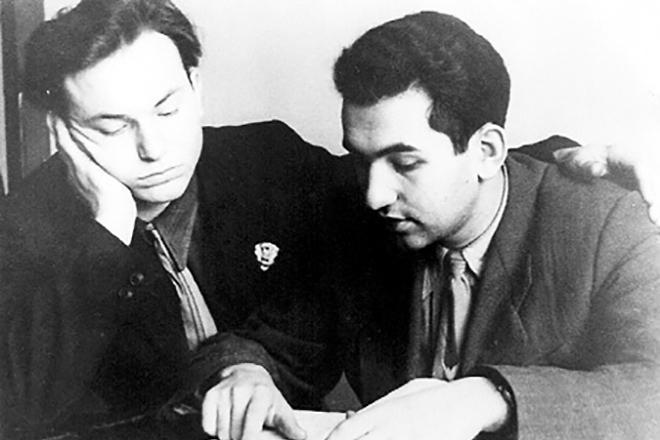 Юрий Лужков в молодости (слева)