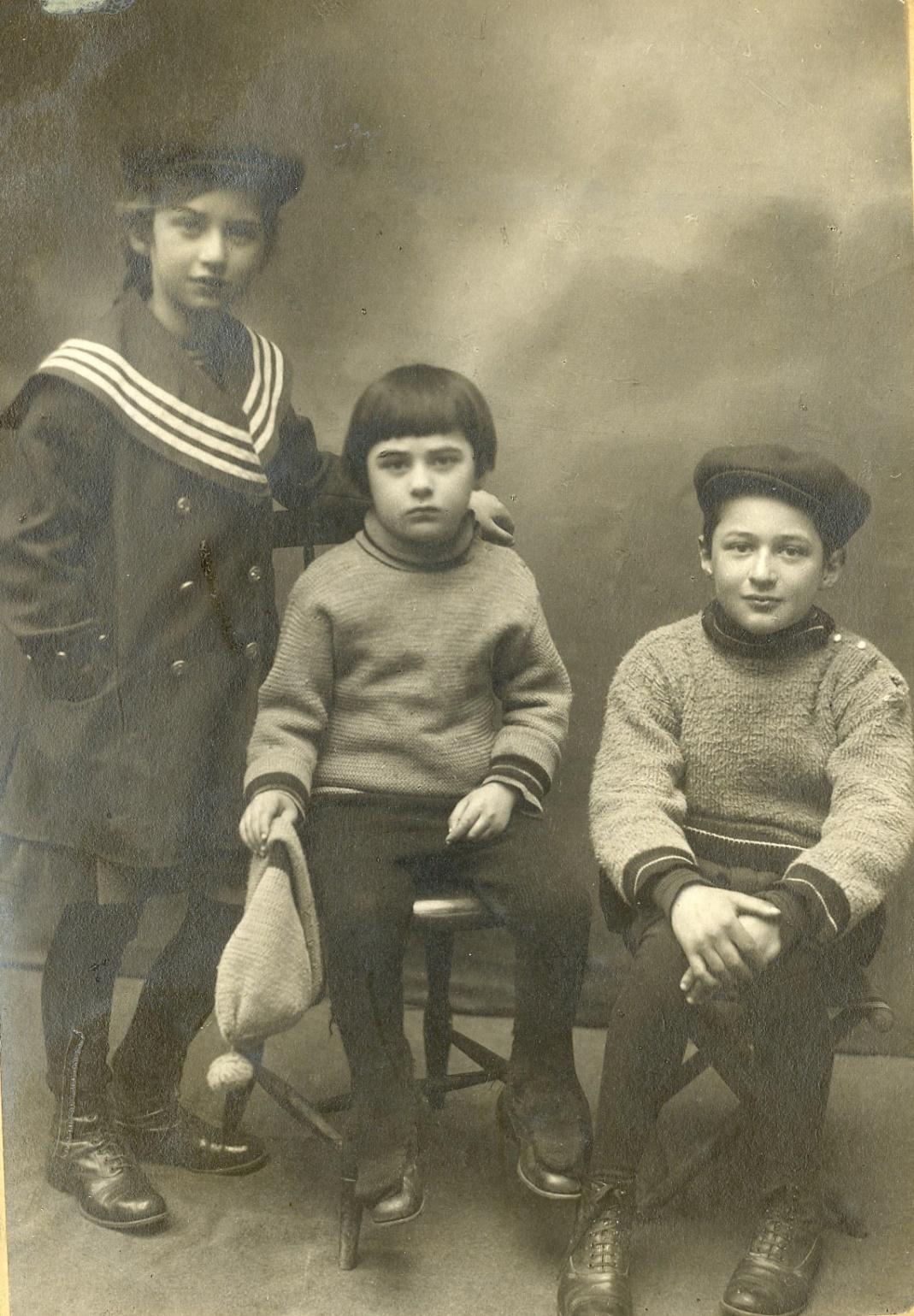 Дети: Лидия, Борис и Николай, 1914 г.
